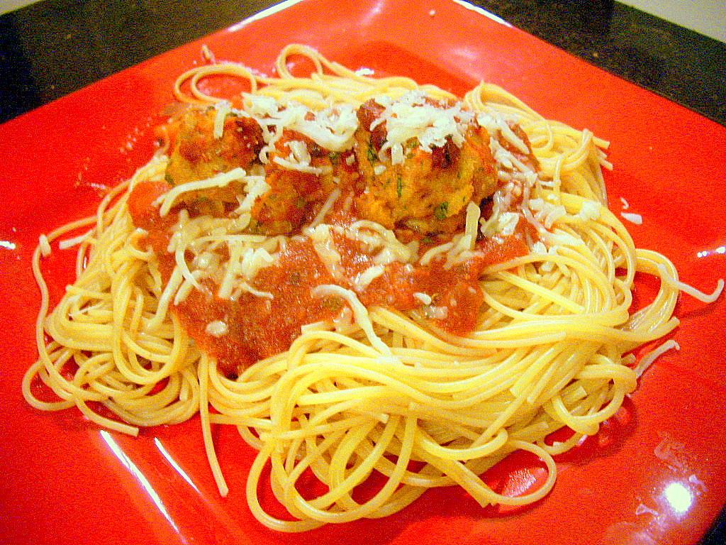 Spaghetti with chicken meatballs and simple marinara sauce